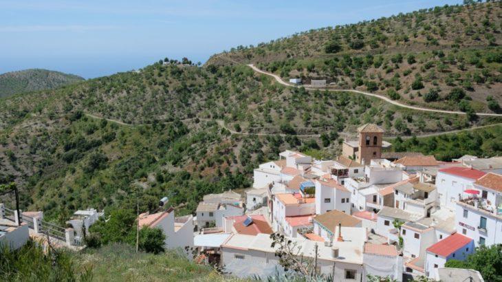 スペインの旅 アルプハラ地方ソルビラン村滞在記 (1) 白い家