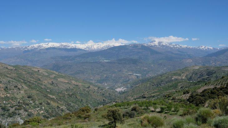 スペインの旅 アルプハラ地方ソルビラン村滞在記 (3) 海と山と