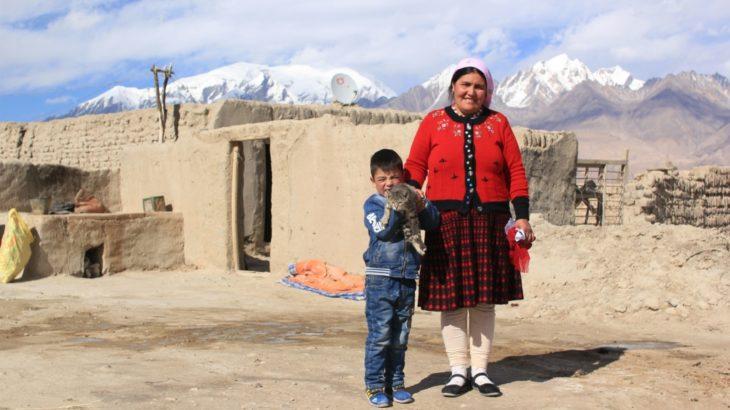 中国の旅(5) 中国の西の果て 絶景のカラクリ湖とタジク族の結婚式