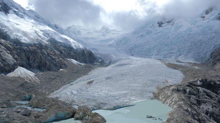 [ペルー] ワスカラン国立公園 ラグーナ・パロン 氷河の上まで歩けるトレッキング