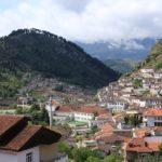 [アルバニア] 「千の窓を持つ町?」アルバニア屈指の観光地べラトへ