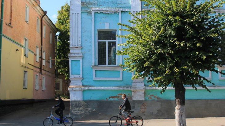 [ウクライナ] 気がつけばヘブライ文字 ユダヤ人巡礼の街ウマーニ