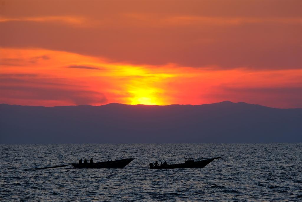 [タンザニア] キゴマ 世界で2番目に古い古代湖タンガニーカへ
