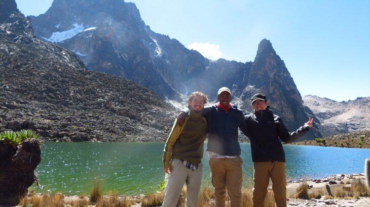 [ケニア] ケニア山国立公園 トレッキング2泊3日 シリモン-山頂周回-チョゴリアルート